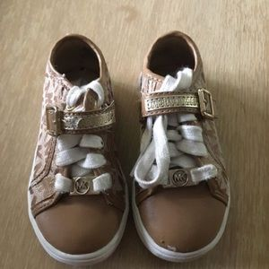 Brown Girl MK shoes size 8